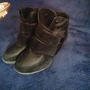 Shoes - Super cute black wedge sneakers